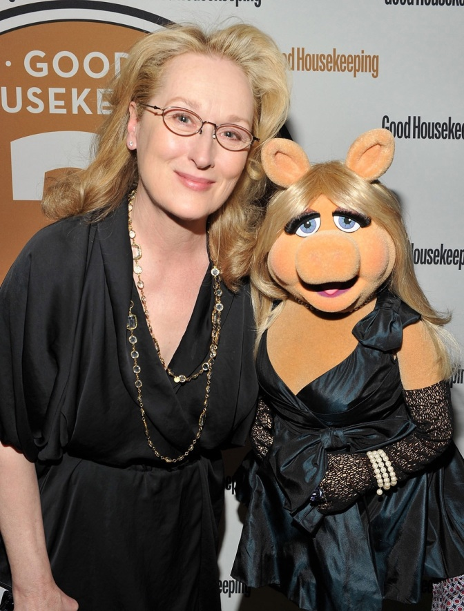 Miss Piggy to receive her first award