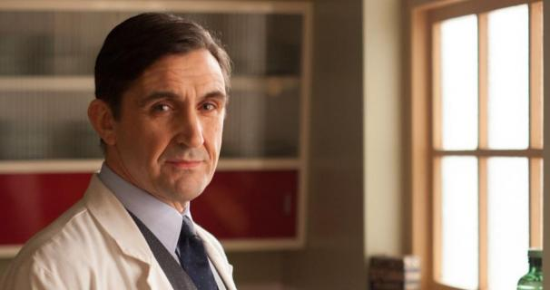 Call The Midwife star writing his memoirs