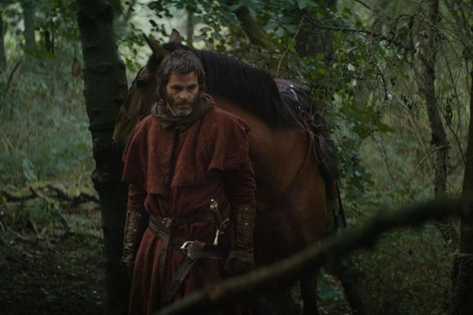 First look: Chris Pine as Robert the Bruce