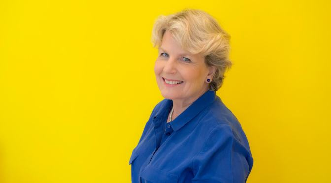Bake Off's Toksvig is cooking up her memoirs